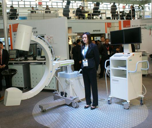 西门子参加64届医博会,并进行了最新型X光设备的现场发布会。