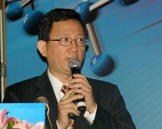 上海 王明钜/台大医院副院长王明钜在会上作演讲。