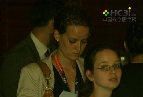 马爱柯•雷丝卓(Maaike Leistra)和埃斯米•施维尔德(Esmee Schieveld)