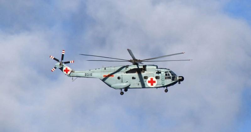 舰载救护直升机紧急起飞